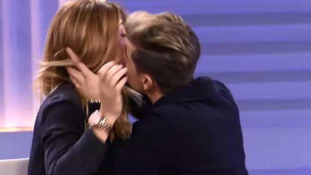 ¡Abraham besa a Nagore!