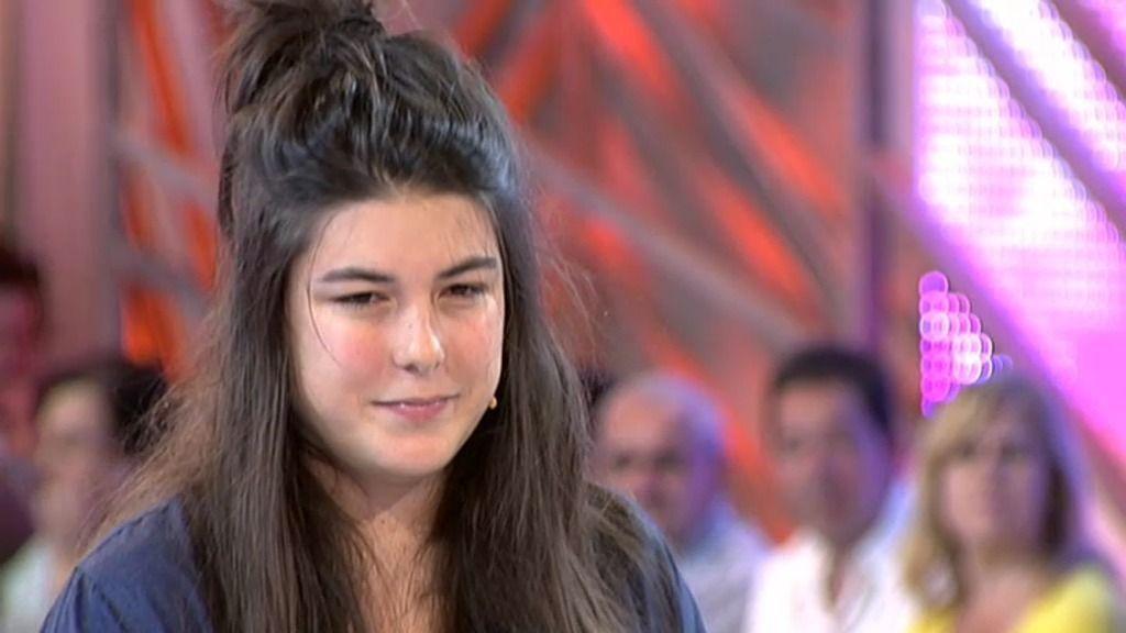 Arancha, una ingeniera a la que no toman en serio, llama la atención de Pelayo y Cristina