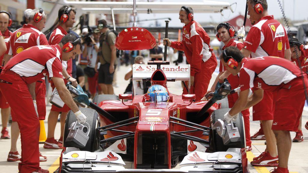 Fernando Alonso en los libres del GP de Europa en Valencia