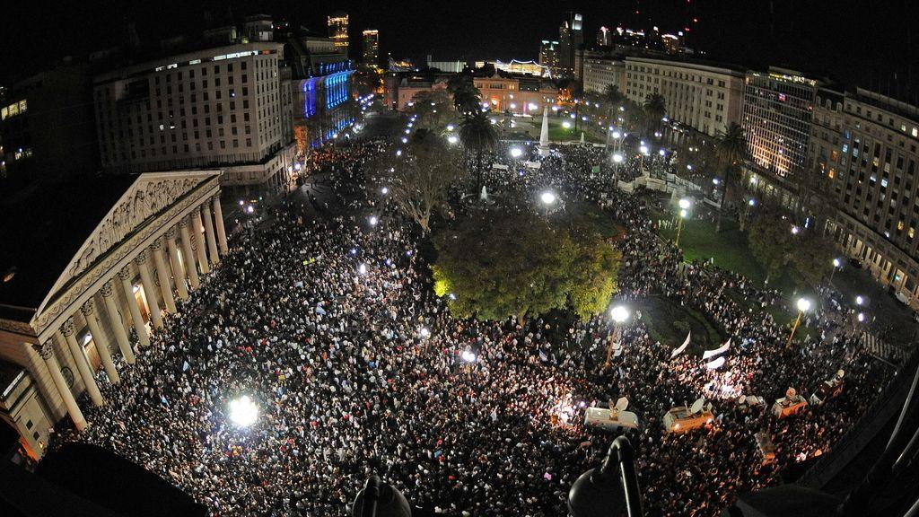 Multitudinaria protesta en Argentina contra Cristina Fernández de Kirchner