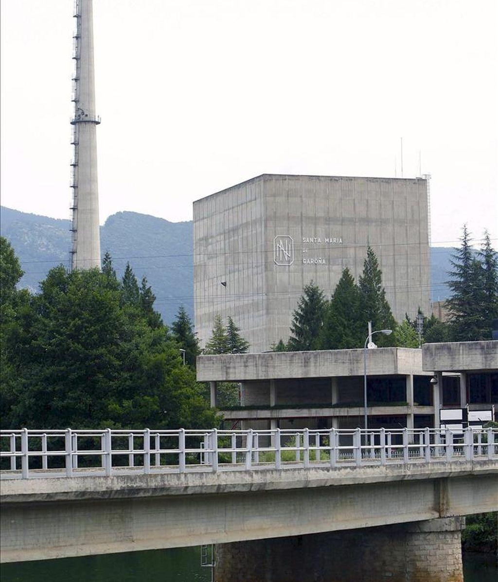 Fotografía de archivo del exterior de la central nuclar de Garoña, emplazada en Santa María de Garoña, Burgos.