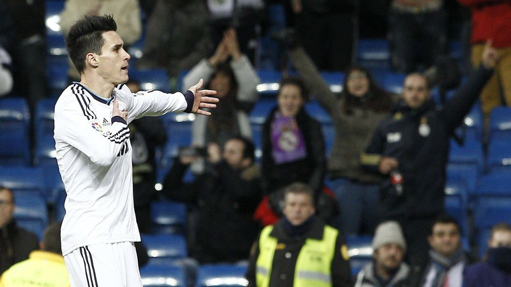 El delantero del Real Madrid José Callejón celebra uno de sus goles durante el encuentro, correspondiente a la vuelta de los dieciseisavos de final de la Copa del Rey