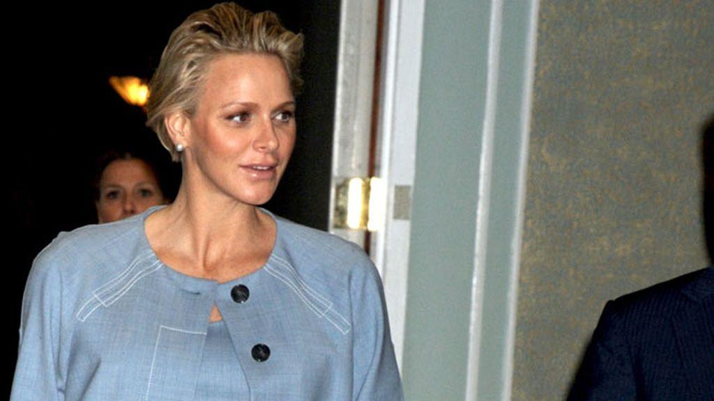 ¿Qué gemelo de los que espera Charlene será el heredero del trono de Mónaco?