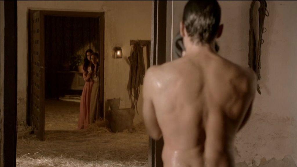 Ha llegado para sustituir a Aníbal y se enamorará de Almudena