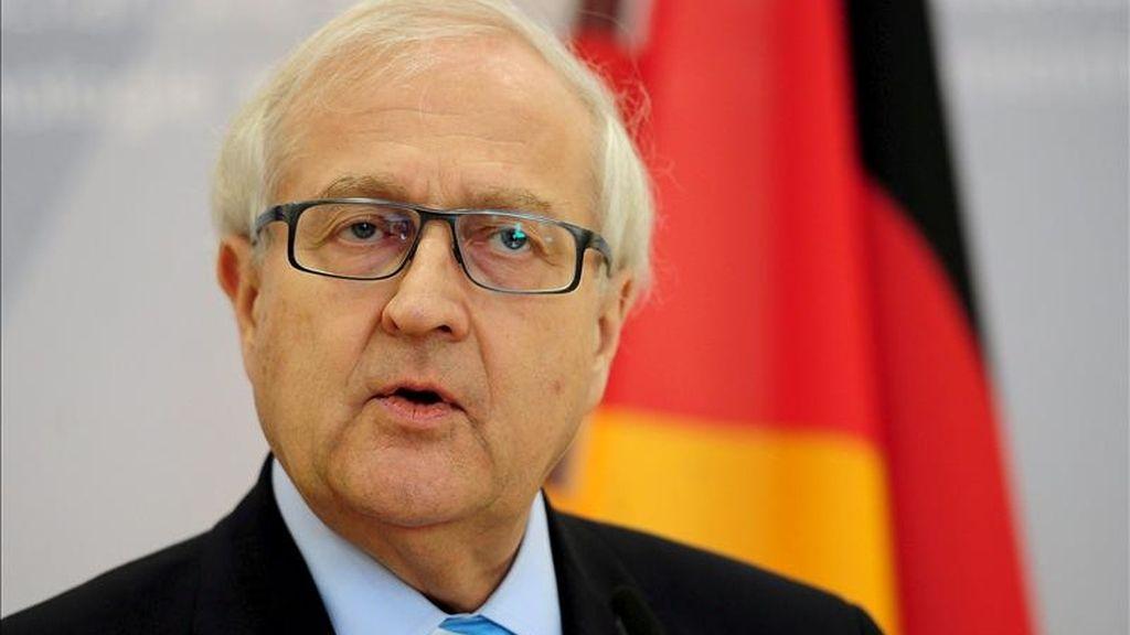 """El Gobierno alemán corrigió hoy al alza su previsión de crecimiento para este año hasta situarla en un 2,6 por ciento, pronóstico que el ministro de Economía, Rainer Brüderle, calificó de """"cauteloso"""", dada la situación global, y a la vez reflejo del """"dinamismo"""" de la primera potencia europea. EFE/Archivo"""