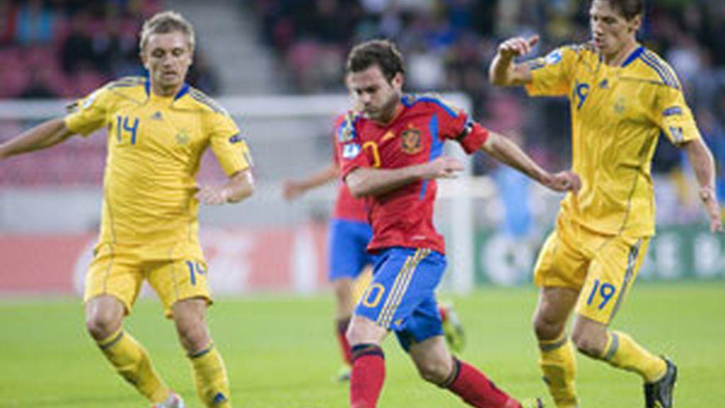 Juan Mata durante el partido con Ucrania. Foto: EFE