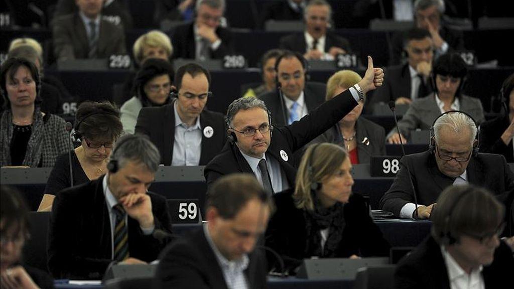 Eurodiputados votan una resolución en el Parlamento Europeo en Estrasburgo (Francia). EFE/Archivo