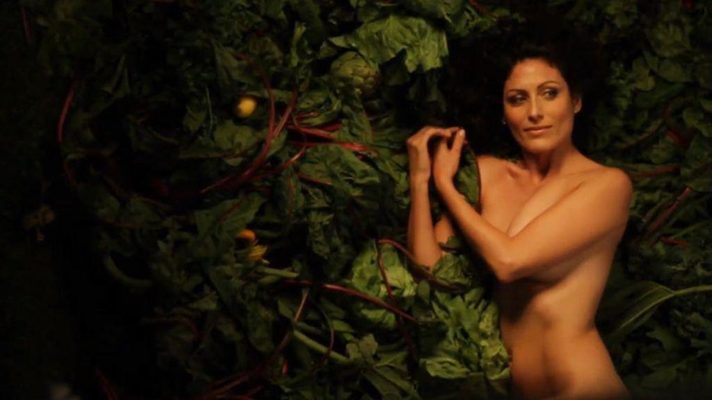 Lisa Edelstein se desnuda para la campaña de PETA