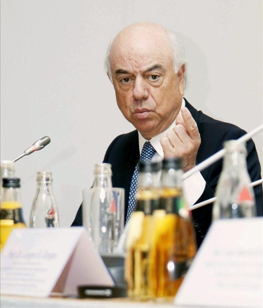 Francisco González, presidente del BBVA, durante su intervención en el foro Hispano-Alemán, centrado en la recuperación económica, que se celebra en Berlín. EFE