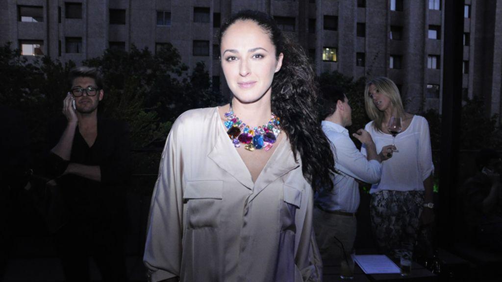 La actriz Mónica Estarreado con un precioso collar de Pretty Complementos