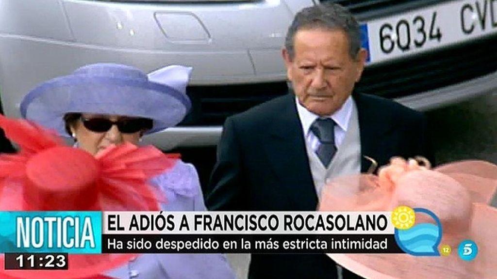Doña Letizia y su familia despiden en la intimidad a Francisco Rocasolano