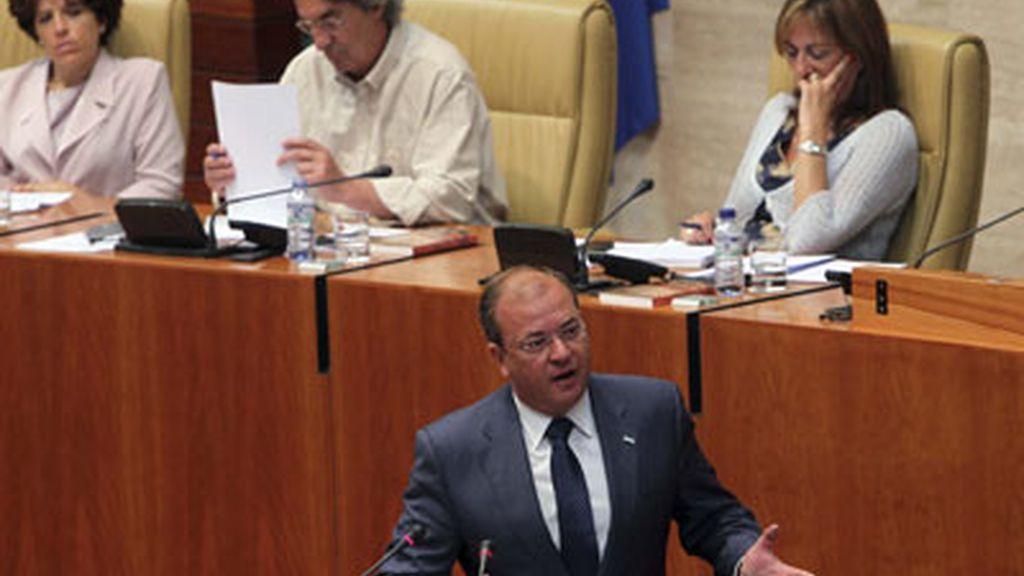 El presidente extremeño, José Antonio Monago, en el Parlamento extremeño