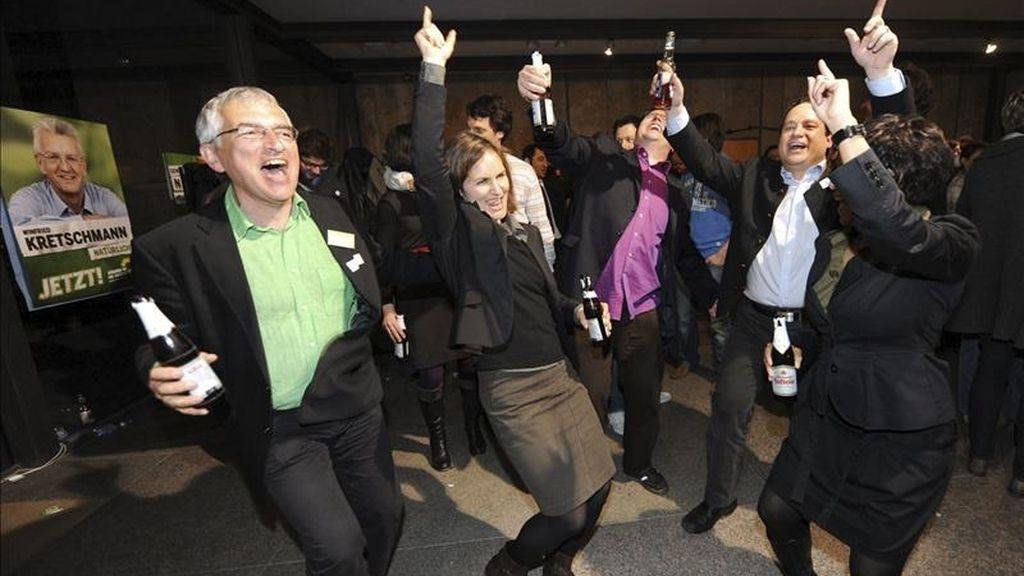 Miembros del partido de los Verdes celebran su victoria en los comicios regionales celebrados el pasado 27 de marzo en los estados federados de Baden-Württemberg y Renania-Palatinado. EFE/Archivo