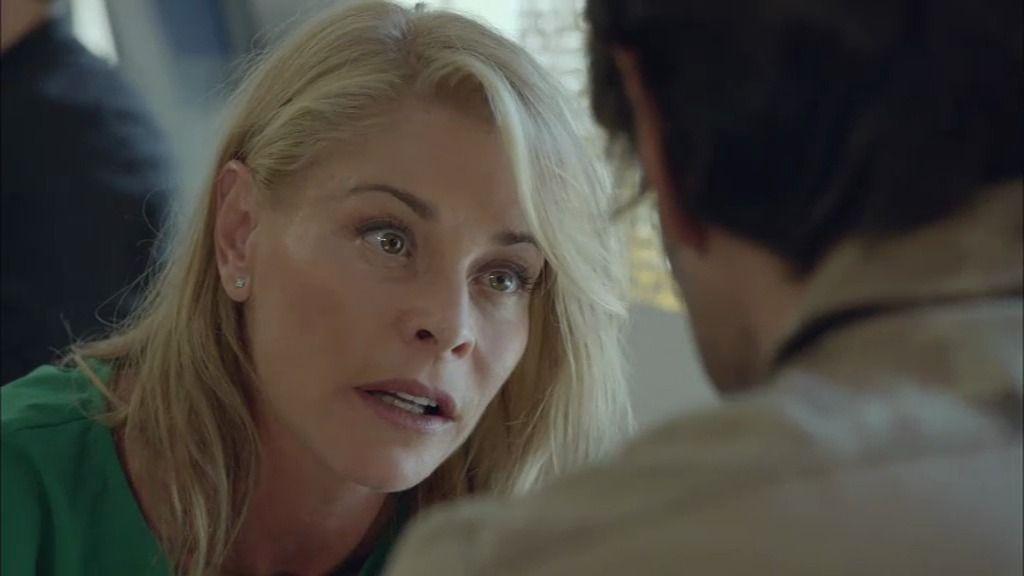 Candela se entera de que Rubén ha besado a una modelo rubia