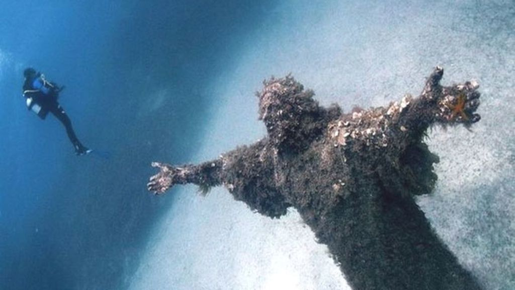 El Cristo del Abismo de San Fruttuoso, Liguria