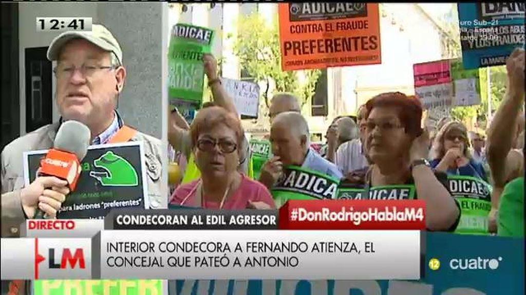 Antonio, indignado porque han condecorado al concejal de Coslada que le pateó