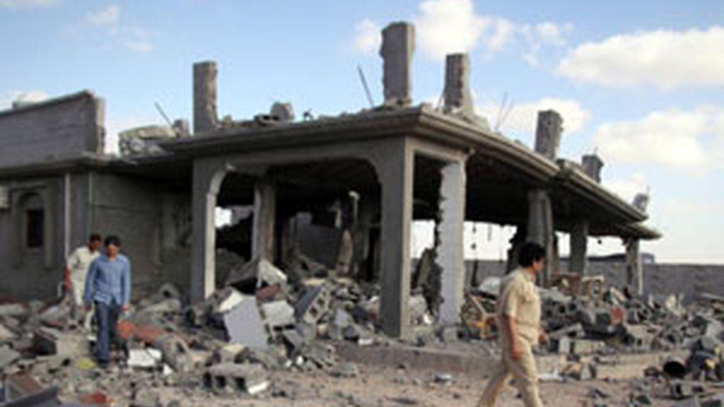 Restos de uno de los refugios de defensa antiaérea de Muamar Al Gadafi destrúídos por la OTAN FOTO: EFE
