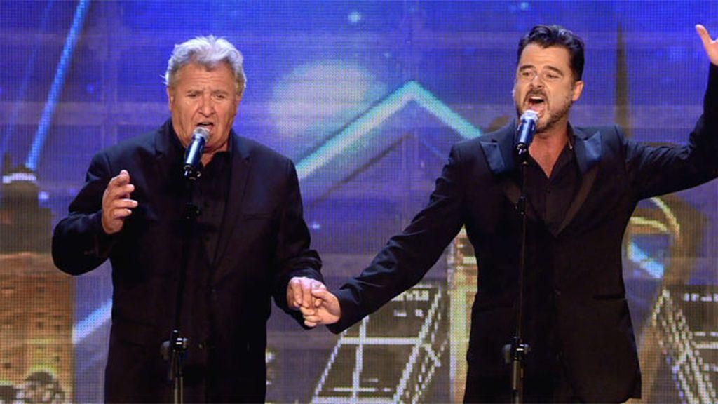 Javier e Íñigo, padre e hijo, sorprenden al jurado con su gran dueto tenor