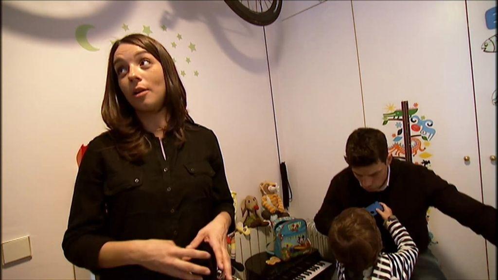 Laura debe someterse a una operación para tratar la espina bífida del bebé que espera