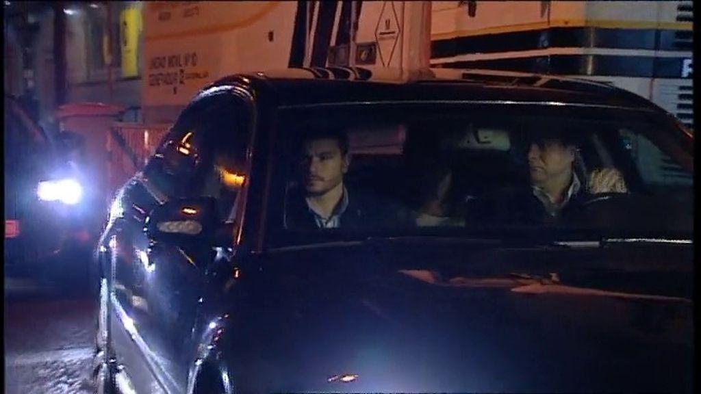 Rajoy llega a Génova en vehículo