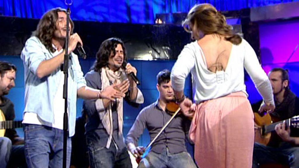 Raquel Bollo baila con Macarines