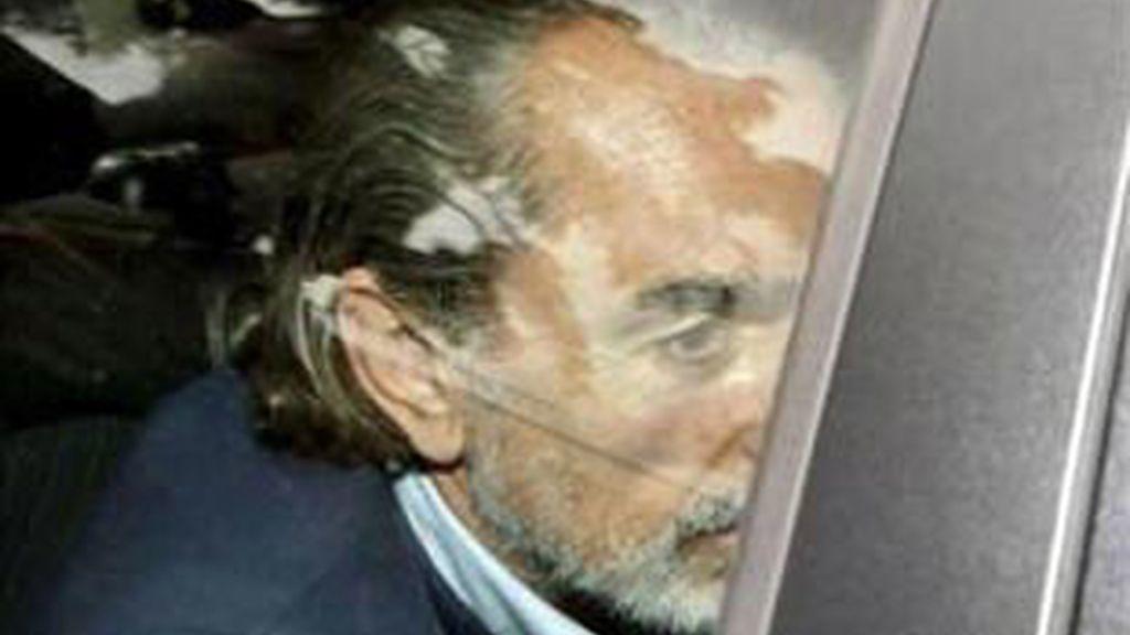La libertad provisional se hará efectiva cuando el abogado de Correa abone los 15 millones de euros fijados en la fianza. Vídeo: Informativos Telecinco.