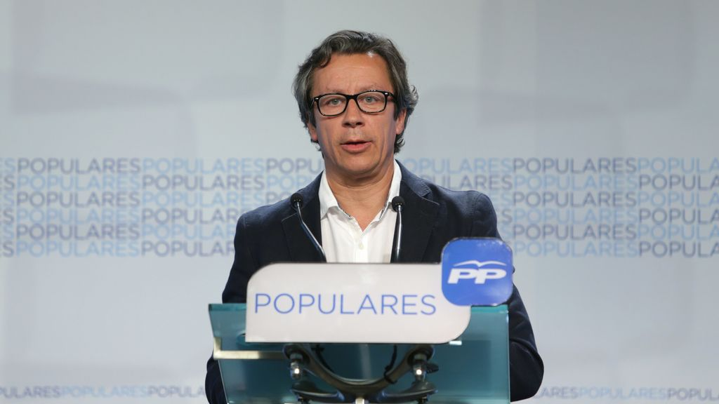 "Floriano considera al PSOE un partido ""sectario"""