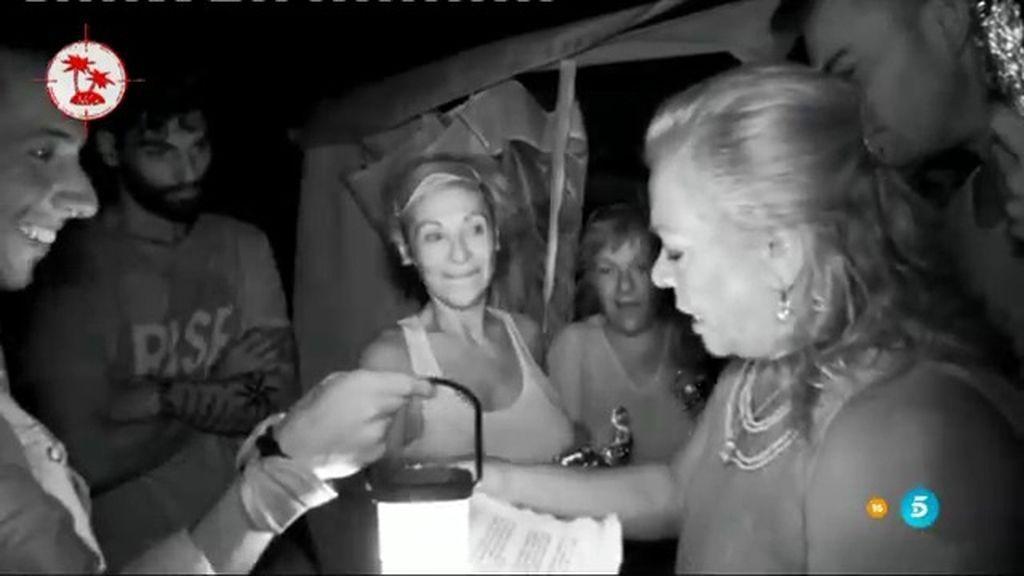 Así fue el encuentro nocturno de Carmen Gahona con los concursantes