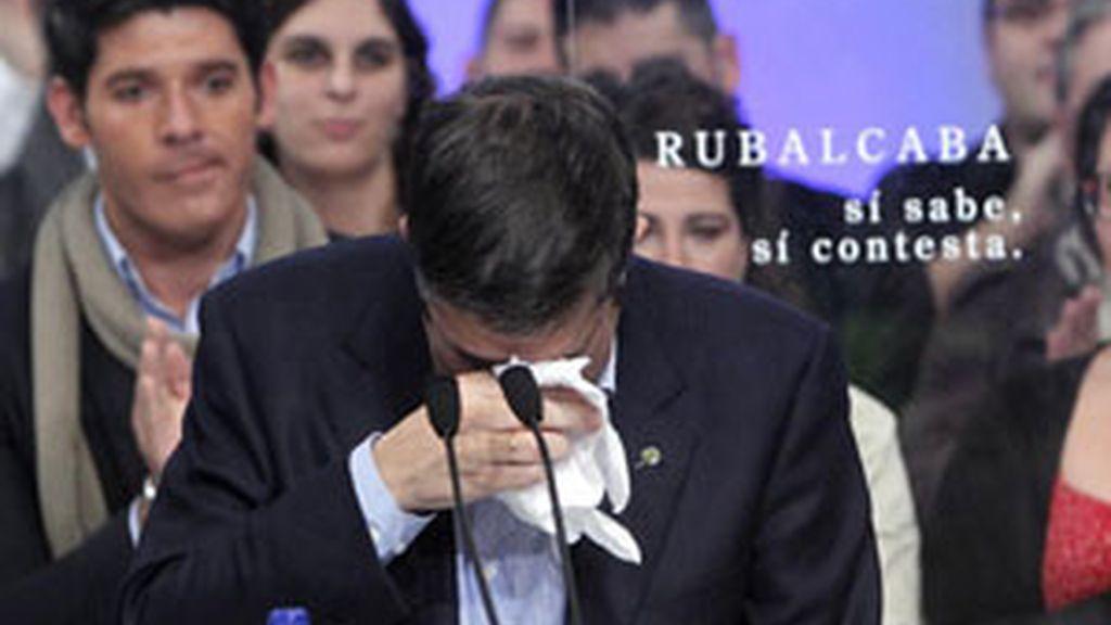 Patxi López llora en un acto electoral
