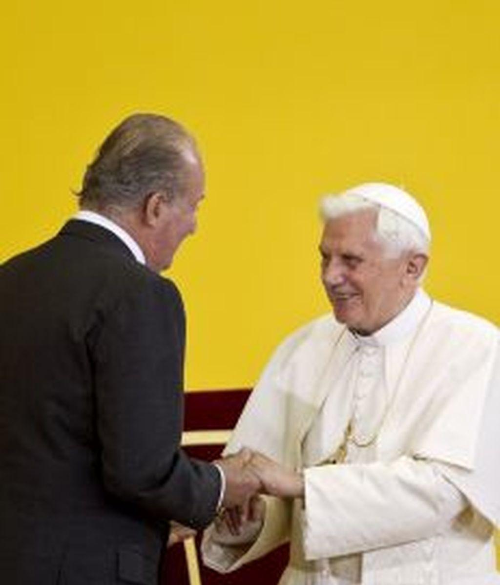 El Rey y el Papa durante una visita a Barcelona. GTRES