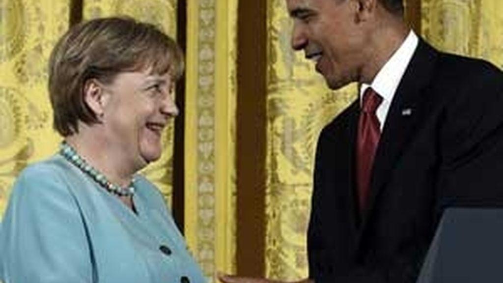 """""""Confío en que el liderazgo de Alemania"""", ha asegurado Obama ante Merkel en la Casa Blanca. Foto: Reuters."""