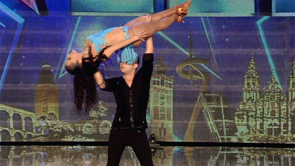 La bachata con acrobacias de Alba y Luis