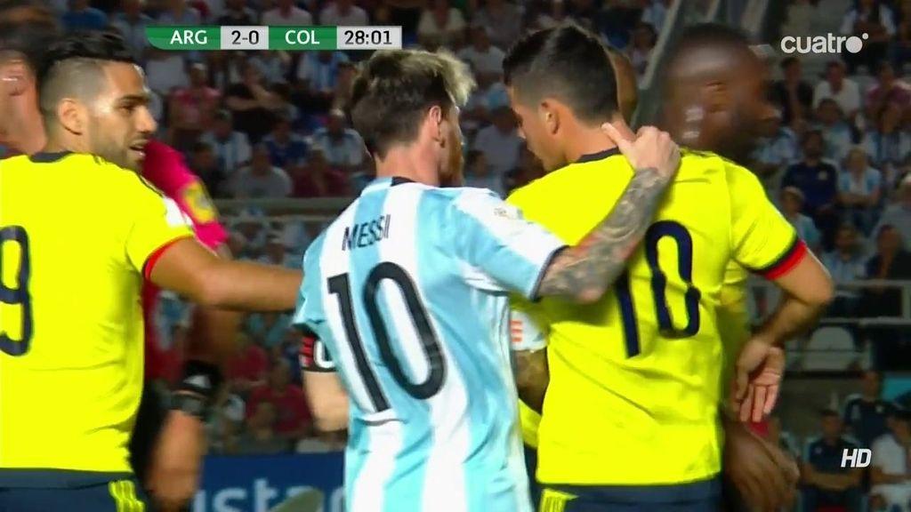 James Rodríguez se encara con Mercado y ¡Messi tranquiliza al jugador del Madrid!