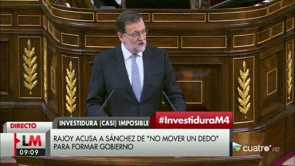 "Rajoy califica como ""ficticia"" e ""irreal"" la candidatura de Sánchez"