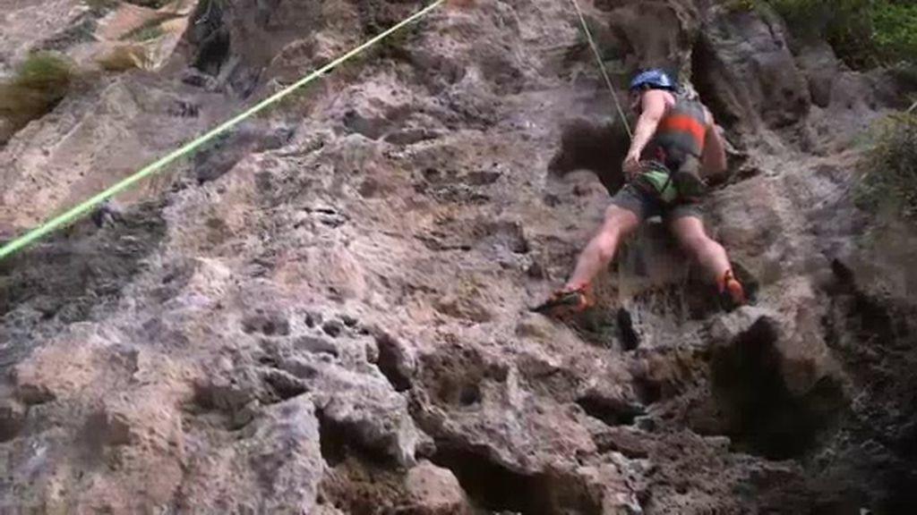 """Dani Rovira sufre con la primera escalada de su vida: """"Estoy bloqueadísimo"""""""