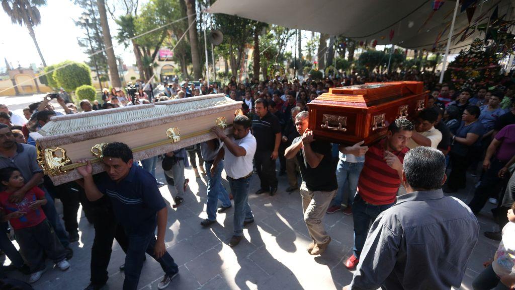 México entierra a los fallecidos en el accidente del mercado pirotécnico