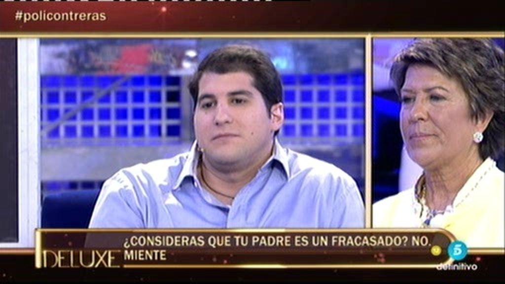 Según el polígrafo, Julián Contreras Jr. considera que su padre es un fracasado