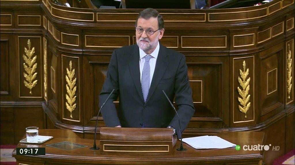 """Rajoy critica """"el vodevil de la negociación a dos bandas"""" que ha hecho Sánchez"""