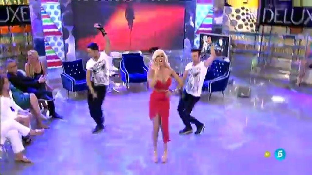 ¡¡La canción del verano llega a 'Deluxe'!! Ylenia interpreta su éxito 'Pégate'