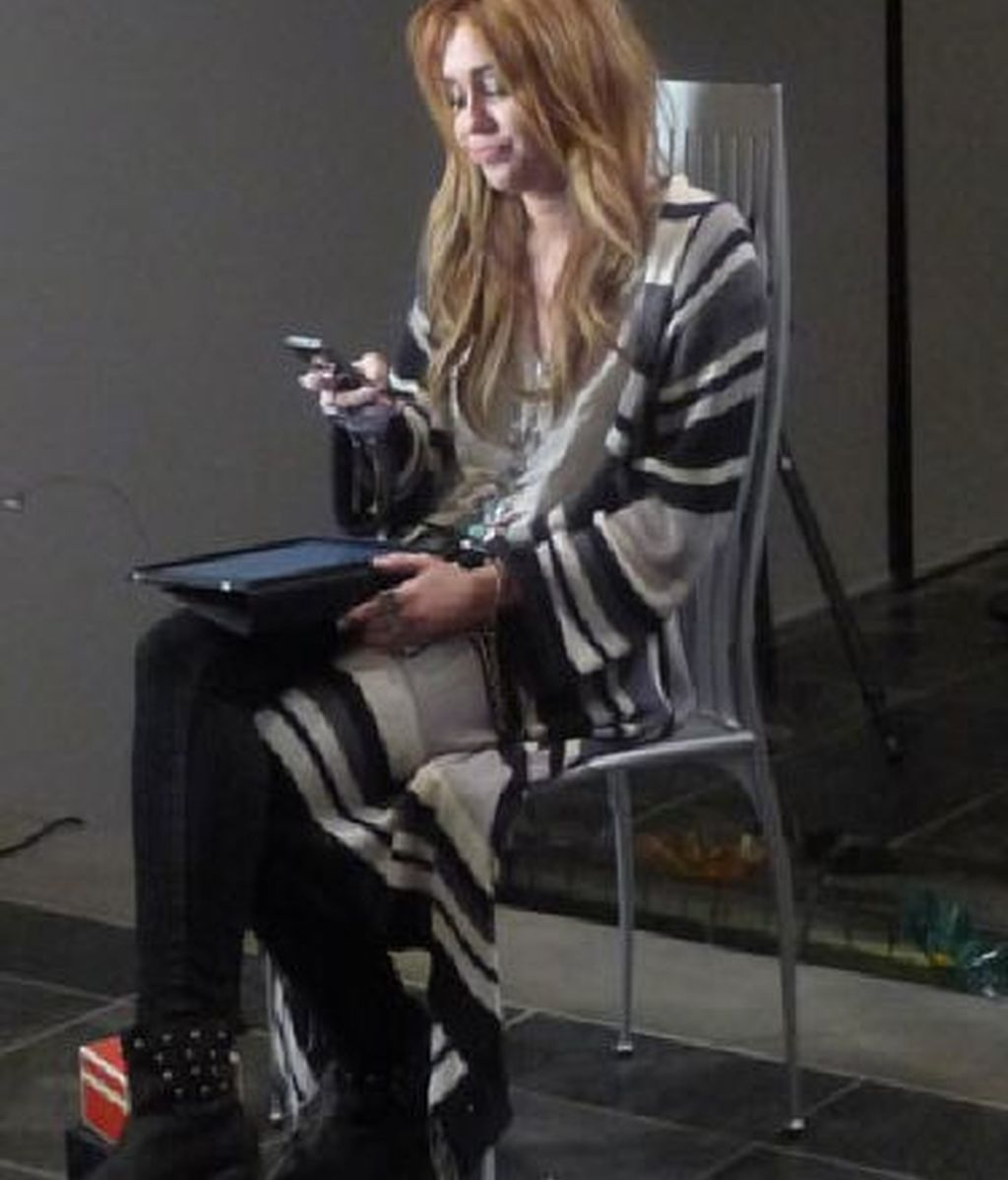 El 'making of' del posado de Miley Cyrus