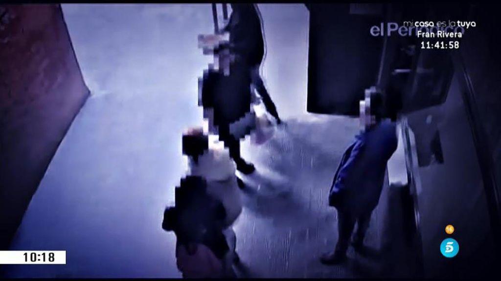 Una cámara de seguridad graba los malos tratos de una madre