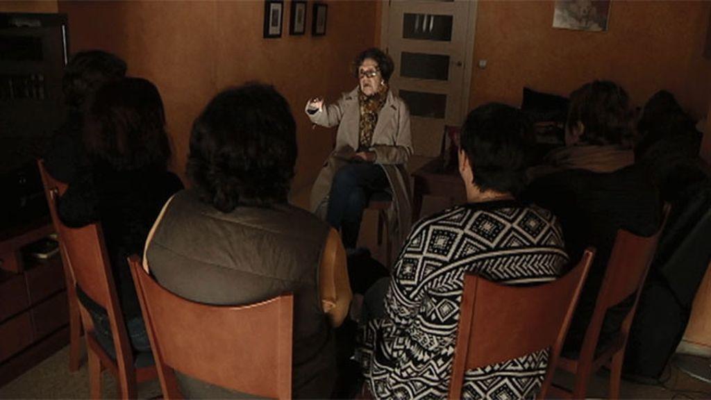 Paloma Navarrete regresa a una comunidad en Sevilla donde suceden fenómenos