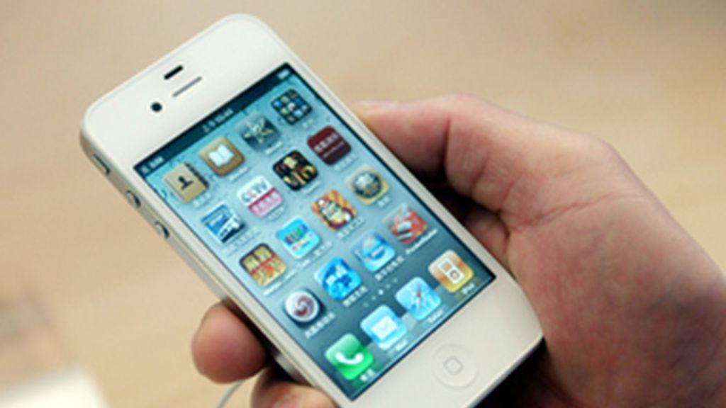 El popular 'hacker' de Iphone, se alía con su enemigo. Foto: Gtres