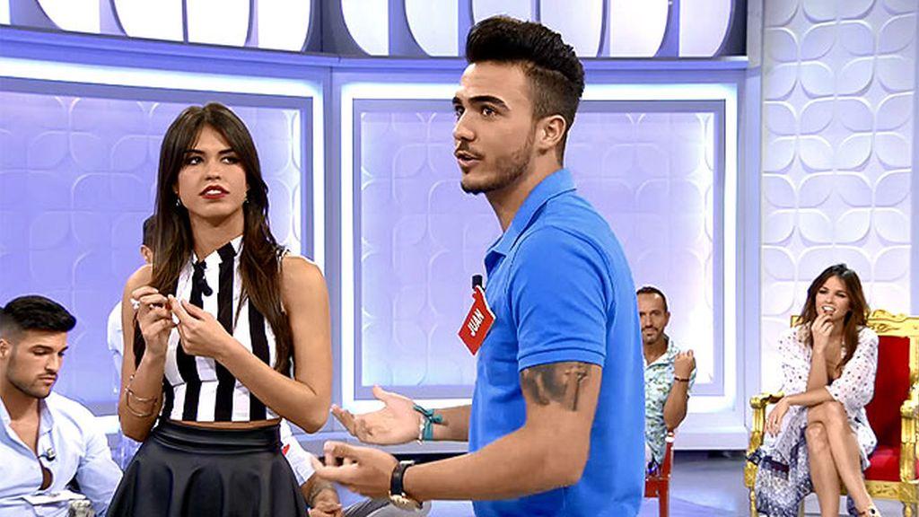 Juan quiere tener una cita con Jenny y Sofía