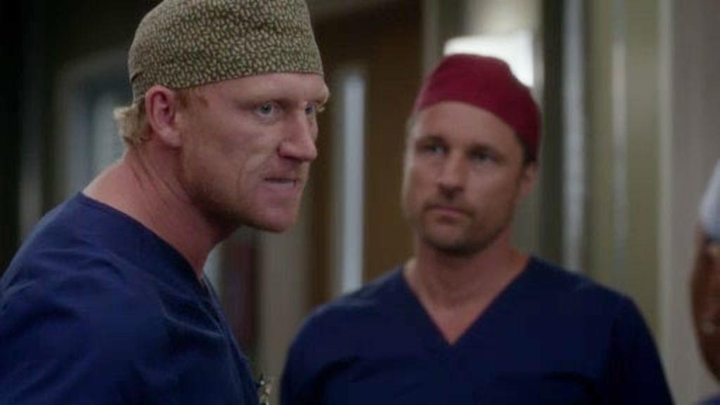 Riggs y Meredith se conocen… ¡ante el desplante de Hunt!