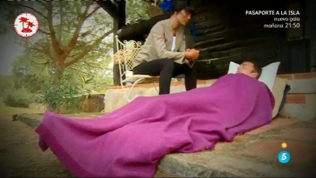 Two Yupa y Gaby se atreven con la escena de los muertos de 'El sexto sentido'