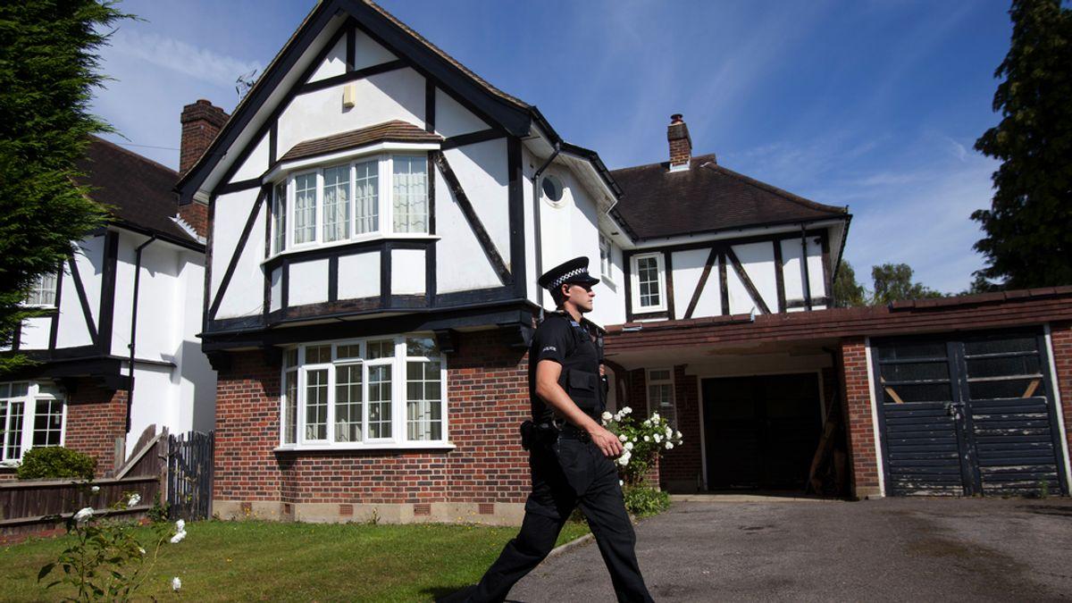 La policía evacúa el vecindario de la familia asesinada en los Alpes