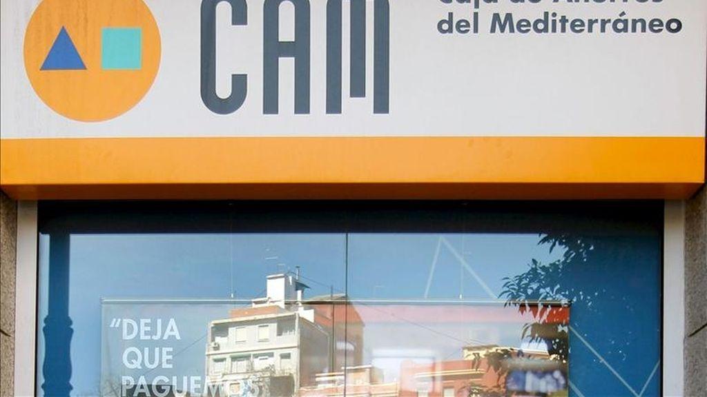 Caja Mediterráneo (CAM) ha reorganizado su estructura para mejorar su eficiencia y adaptarla a las nuevas necesidades derivadas de la futura creación de Banco CAM, que desarrollará la actividad financiera de la entidad. EFE/Archivo