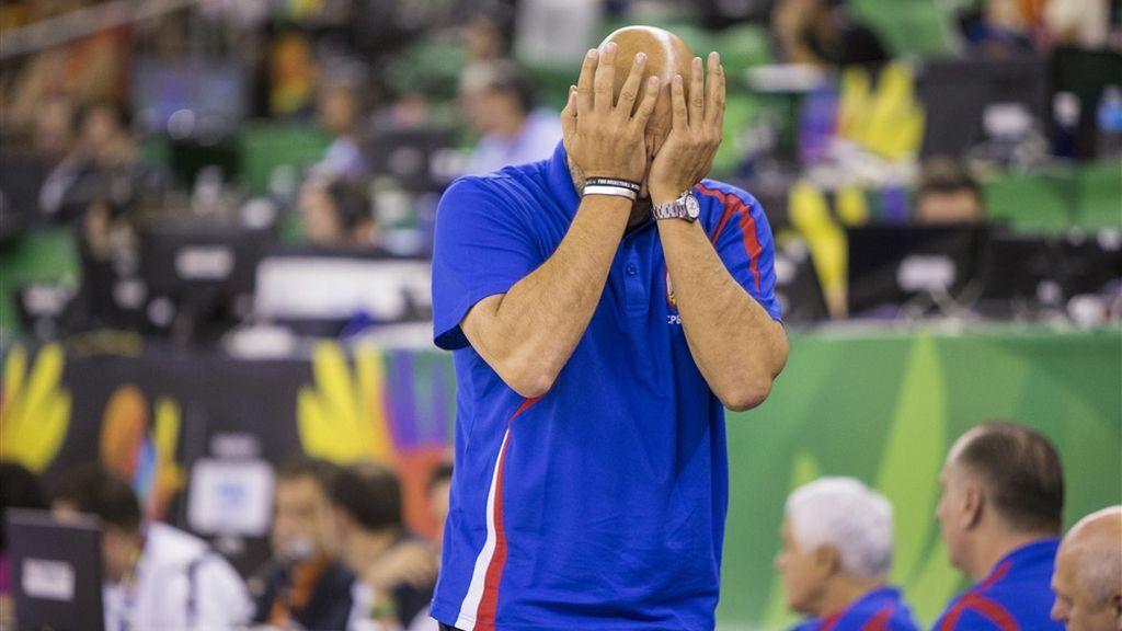 Doble falta técnica a los entrenadores que deja fuera del partido a Djorjevic