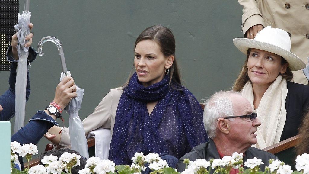 La actriz Hilary Swank en París